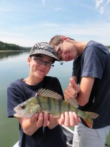 P83114911 225x300 Camp de pêche jeunes et ados carnassiers