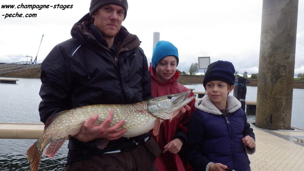 F G E 90 cm www 1024x576 Stage pêche à la verticale