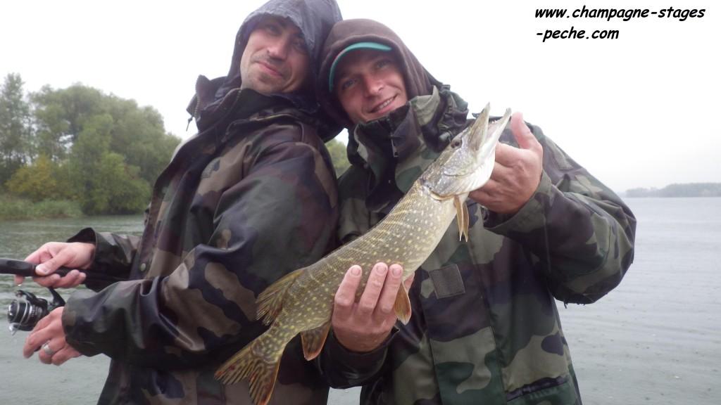 Vine et SOSO www 1024x576 Stage de pêche aux lacs de la Forêt dOrient