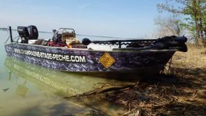 bateau customisé 300x169 Stage pêche carnassiers aux leurres en bateau