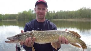 IMGP1898 300x169 Stage de pêche ados de Pâques au lac du Der