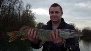 IMGP2790 300x169 Découverte de la pêche aux leurres en bateau sur la Marne