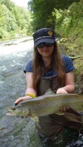elena 2 pf 169x300 Colonie de pêche sur les lacs de la forêt dOrient