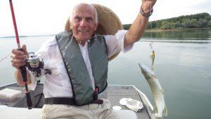 IMGP3445 300x169 Des stagiaires de 7 à 90 ans qui ont la pêche!